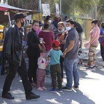 El Covid les vale… Aglomeraciones, filas y fiestas en pleno repunte de la pandemia