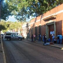 Por falta de atención federal, bloquean campesinos en la capital