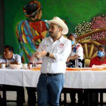 Líderes de UGOCP Ing. Margarito Montes Parra brindan apoyo total a su dirigente nacional, Héctor Montes Parra.