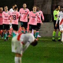 Barcelona tuvo que venir de atrás para vencer a un aguerrido Rayo Vallecano y meterse a los cuartos de final de la Copa del Rey