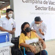 En orden se realiza la jornada de vacunación a maestras y maestros de Oaxaca