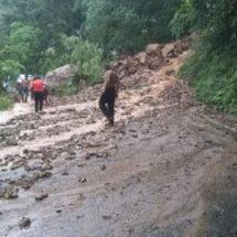 Derrumbe en la 175 Oaxaca Costa