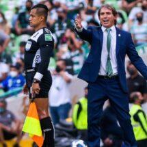 """Guillermo Almada: """"No me gusta que los jugadores hagan berrinche"""""""